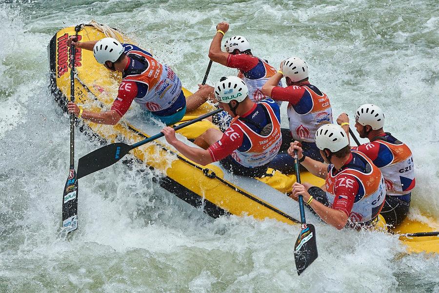 AC rafting team Bula si jede pro zlato ve sjezdu